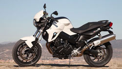 'BMW F 800 R: Paseando a Miss Naked